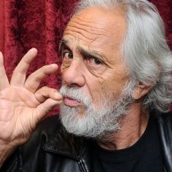 Tommy Chong cumple 80 años