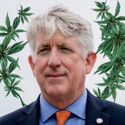 Mark Herring, fiscal general del estado de Virginia, ha declarado públicamente que quiere que su estado despenalice el cannabis recreativo.