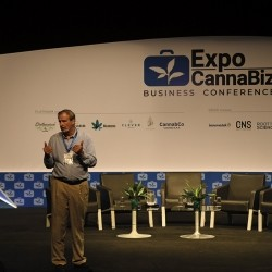 Conferencia en Expo cannabiz 2019